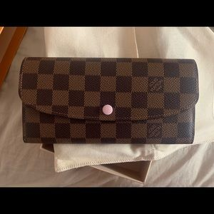 SARAH WALLET LOUIS VUITTON